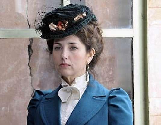 Cristiana Reali dans le rôle de Marguerite Steinheil, maîtresse de Félix Faure