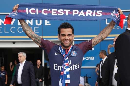 Dani Alves, la nouvelle recrue brésilienne du club parisien.