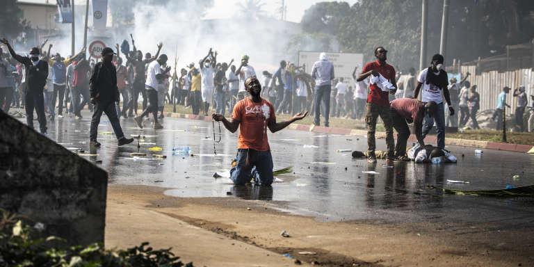 Un soutien du leader de l'opposition, Jean Ping, le 31 août 2016 à Libreville.
