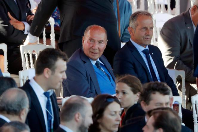 Serge Dassault assiste au défilé militaire du 14-Juillet 2017, à Paris.
