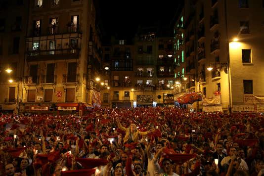 Une foule se presse pour la clôture de l'édition 2017 des ferias de San Fermin. REUTERS/Susana Vera
