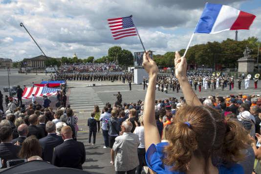 Défilé militaire du 14-Juillet sur les Champs-Elysées à l'occasion de la fête nationale, à Paris.