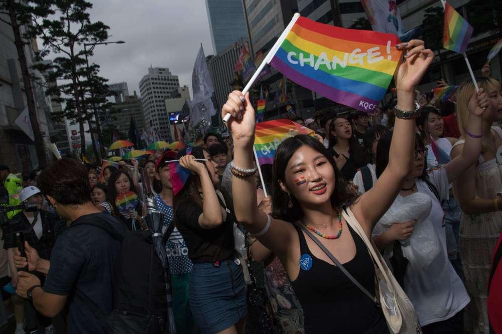 Gay bomb par quand est la gay pride