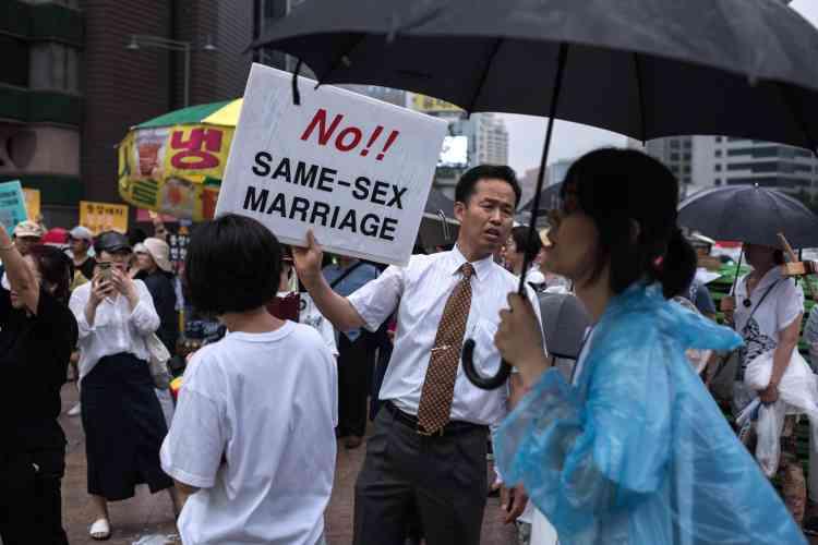 Les groupes protestants conservateurs, qui comptent des millions d'adeptes, présentent l'homosexualité comme une maladie psychiatrique qui doit être soignée.