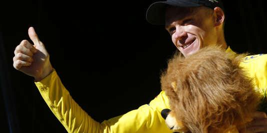 Deux jours après l'avoir cédé, Christopher Froome a récupéré son maillot jaune à Rodez.