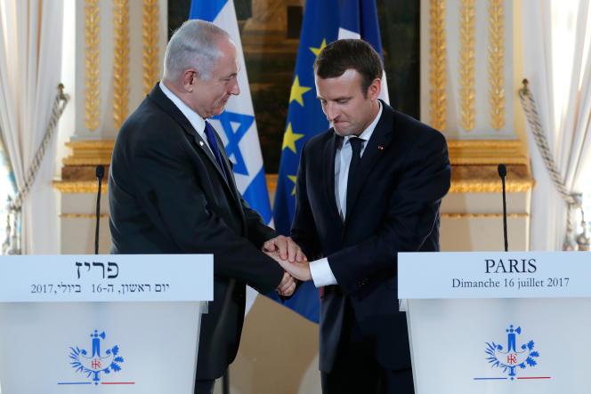 Le président français Emmanuel Macron et le premier ministre israélien Benjamin Nétanyahou donnent une conférence de presse conjointe au Palais de l'Elysée à Paris le 16 juillet 2017.REUTERS/Stephane Mahe TPX IMAGES OF THE DAY