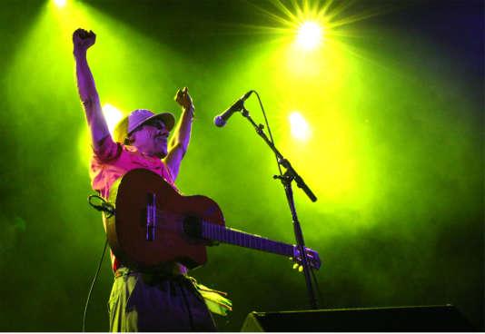 Manu Chao sur la scène du festival El Clandestino, samedi 15 juillet à Guéret