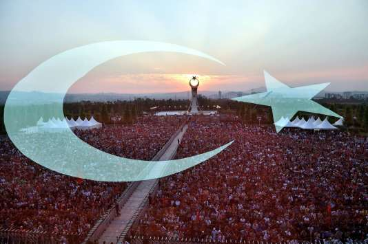 Rassemblement du 15 juillet à Istanbul, un an après le putsch manqué. AFP / TURKISH PRESIDENTIAL PRESS SERVICE / STRINGER