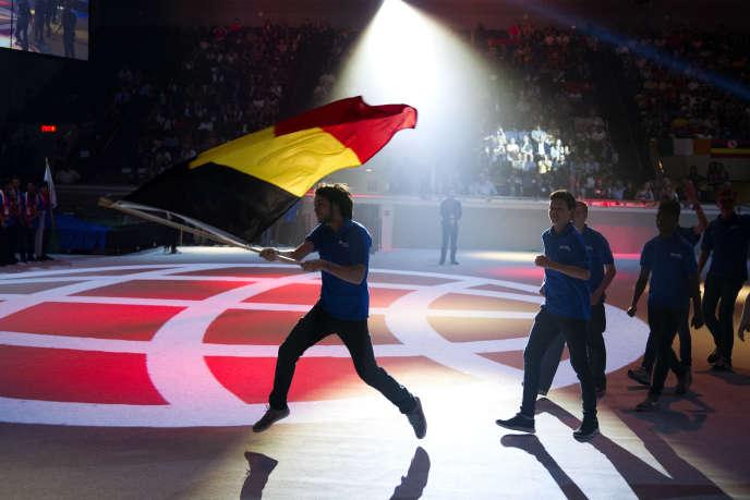 L'équipe belge parade pendant la cérémonie d'ouverture du tournoi. Elles sont 163 équipes de 157 pays différents à concourir.