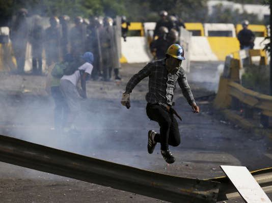 Manifestation contre le gouvernement de Nicolas Maduro à Caracas (Venezuela), le 10 juillet.