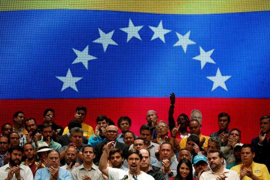 Freddy Guevara, le vice-président du Parlement vénézuélien lors d'une conférence de presse àCaracas, le 17 juillet.