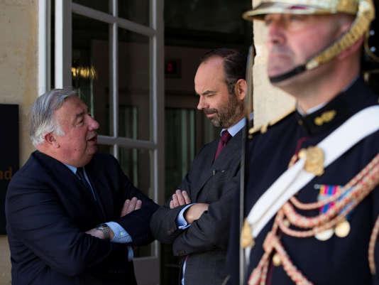 Gérard Larcher, président du Sénat, et le premier ministre, Edouard Philippe, à Paris le 17 juillet.