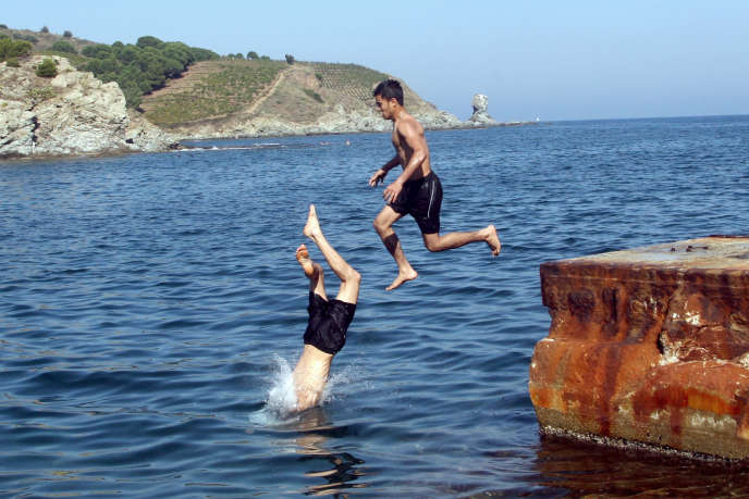 Les hommes jeunes sont plus nombreux à savoir nager que les femmes de plus de 65ans(ici à Banyuls-sur-Mer, dans les Pyrénées-Orientales).