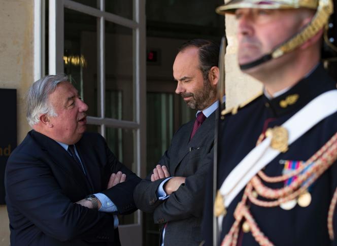 Le président du Sénat, Gérard Larcher, et le premier ministre, Edouard Philippe, en marge de la Conférence nationale des territoires, au Sénat, le 17 juillet.