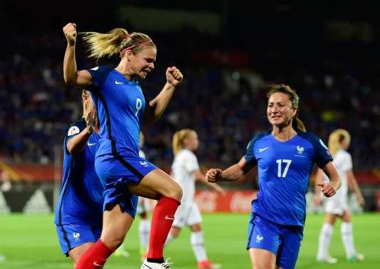Les Bleues se sont imposées grâce à un penalty transformé par Eugénie Le Sommer.