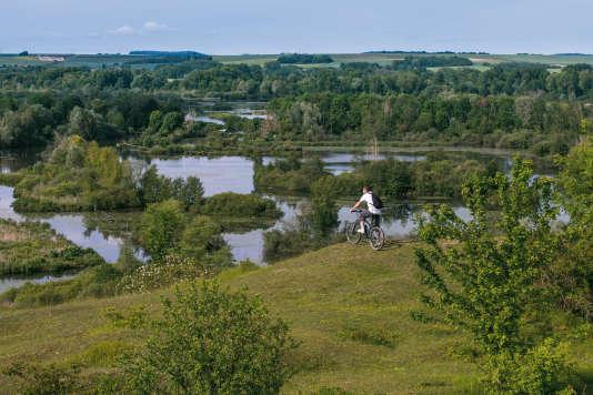 Dans la Somme, quelques belvédères offrent un point de vue remarquable sur la nature environnante.