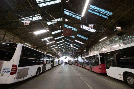 Dépôt de la Régie de transports métropolitains, à Marseille, ville qui, comme la plupart des très grandes agglomérations, n'a pas fait le choix de la gratuité.