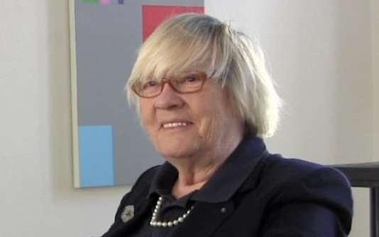 La galeriste parisienne Anne Lahumière est décédée, le 14 juillet 2017 à Paris, à l'âge de 82 ans.