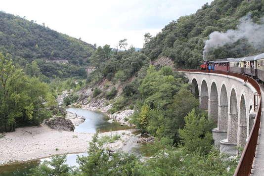 La locomotive duTrain à vapeur des Cévennes a 100 ans d'âge !