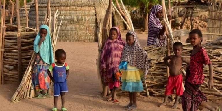 Des enfants près d'Agadez, dans le nord du Niger, en avril 2017.
