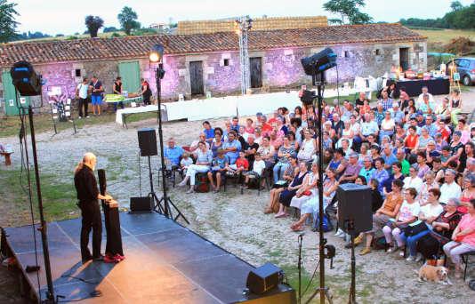 Le spectacle de Michel Hindenoch, mardi 18 juillet, à Azay-le-Brûlé.