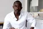 Ahmed, un Soudanais de 27 ans, dans son studio Adoma à Vichy.