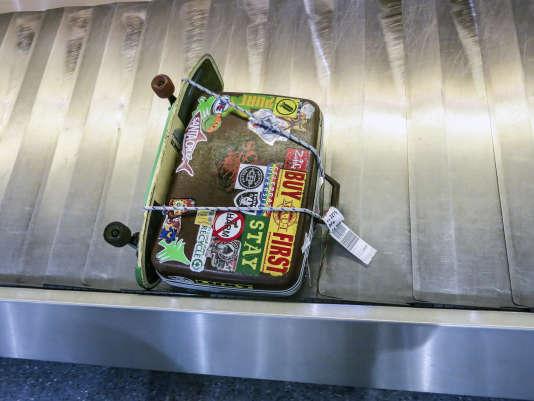 Que vais-je mettre – ou plutôt ne pas mettre – dans cette valise ? C'est la question…