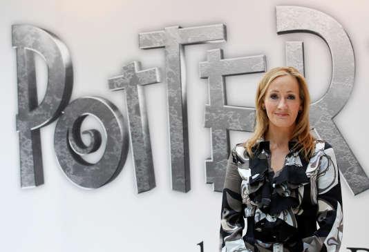 J. K. Rowling a écrit la saga «Harry Potter», et participe à l'écriture du scénario des films «Les Animaux fantastiques».