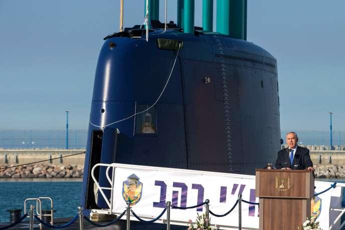Le premier ministre israélien Benyamin Nétanyahou lors de la livraison d'un sous-marin de fabrication allemande, en janvier 2016 à Haïfa.