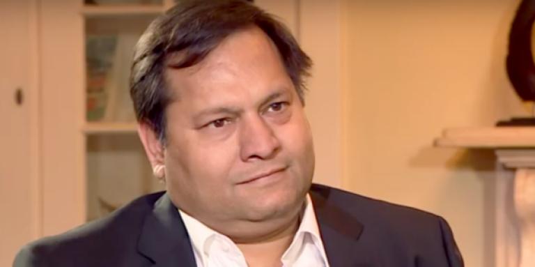 Capture d'écran d'un émission télévisée dans laquelle Ajay Gupta, l'un des trois frères de cette famille indienne puissante et controversée en Afrique du Sud, est interviewé.