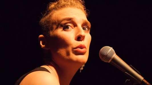 Barbara Weldens lors d'un concert à Avignon, en 2016.