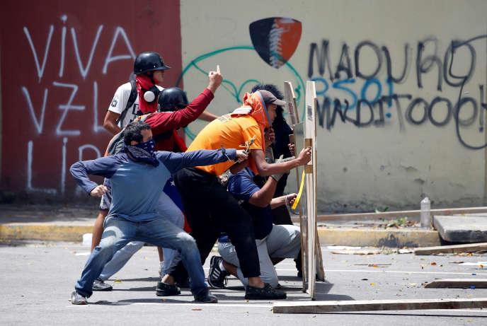 Manifestants anti Maduro le 20 juillet à Caracas, au Venezuela.