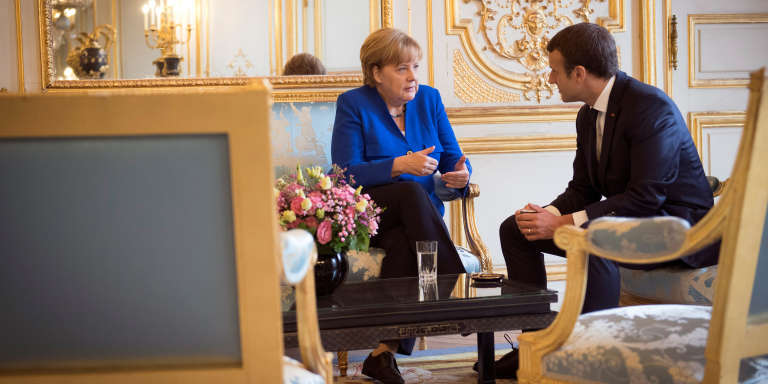 La chancelière allemande Angela Merkel et le président français Emmanuel Macron, à l'Elysée, à Paris, le 13 juillet 2017.