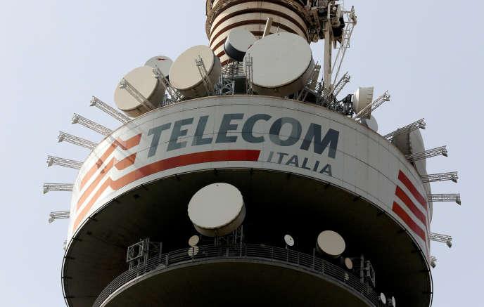 Vivendi détient 23,9 % de Telecom Italia.