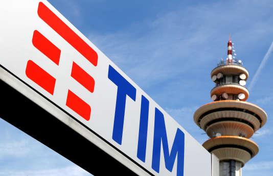 Le logo de Telecom Italia, à Milan, le 25 mai 2016.
