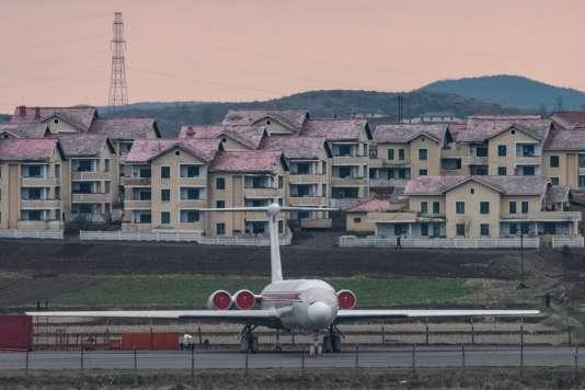 Un avion de la compagnie Air Koryo sur l'aéroport de Pyongyang, en avril 2017.