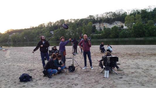 Sarah et son équipe sur le tournage de son court-métrage.