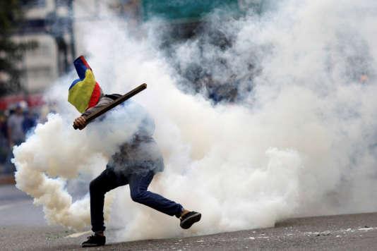 Un manifestant anti Maduro à Caracas, le 22 juillet.