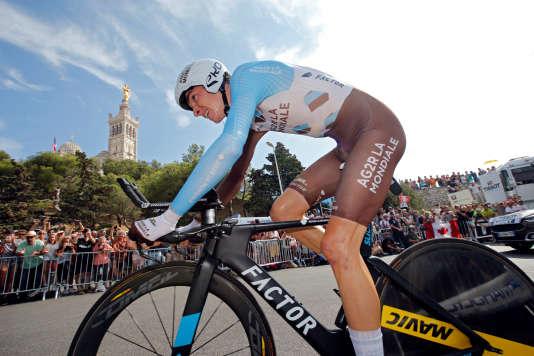 Romain Bardet en plein effort lors de la 21e étape du Tour de France 2017, à Marseille.