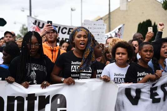 « L'affaire n'ira pas vers un non-lieu », a martelé Assa Traoré, la sœur d'Adama et porte-parole de la famille, lors d'une conférence de presse.
