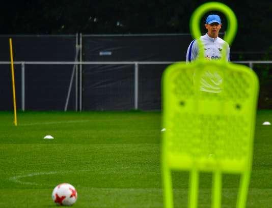 Le sélectionneur des Bleues, Olivier Echouafni, cache encore son jeu.