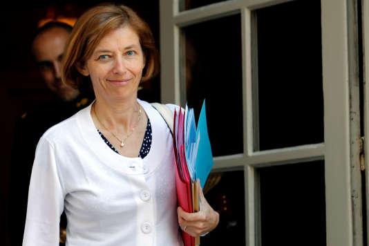 Florence Parly, ministre des armées, sort d'une réunion à l'hôtel de Matignon, la résidence du premier ministre, le 21 juillet.