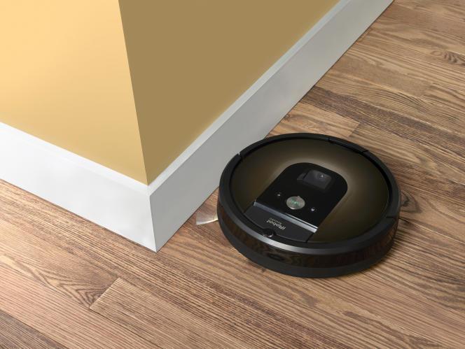 Un robot aspirateur Roomba.