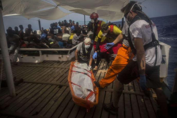 Sur un navire de l'ONG Proactiva Open Arms, au large de la Libye, le 25 juillet.