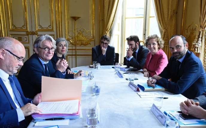 Jean-Claude Mailly (à gauche), lors d'une réunion avec Edouard Philippe et Muriel Pénicaud, le 25 juillet, à Matignon.