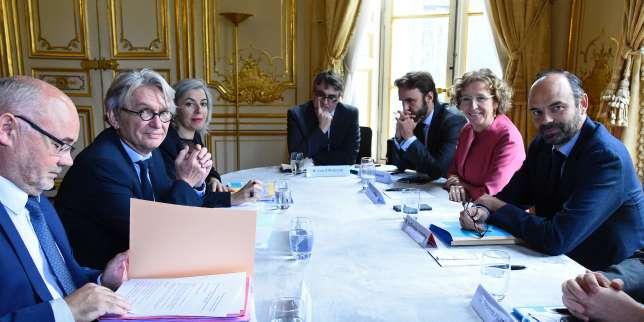 Jean-Claude Mailly (à gauche), lors de sa dernière réunion avec le premier ministre, Edouard Philippe, et la ministre du travail, Muriel Pénicaud, le 25 juillet, à Matignon.