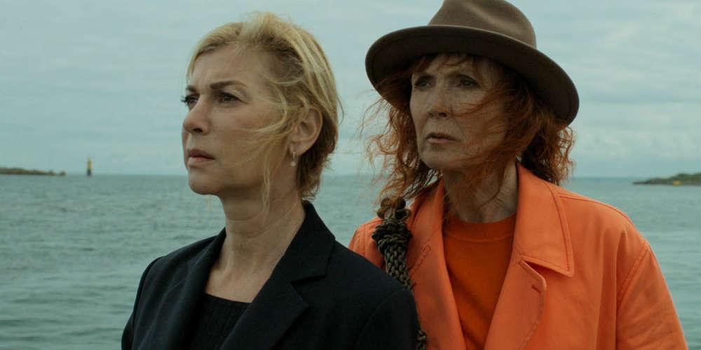 Les journalistes de la rubrique cinéma du«Monde» n'ont pas pu voir, avant sa sortie en salle, cette comédie dramatique avec Michèle Laroque et Sabine Azéma dans les rôles de la maîtresse et de l'épouse du même homme.