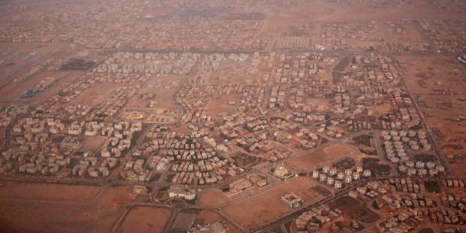 Construction de nouveaux quartiers en banlieue du Caire, en Egypte, en 2016.
