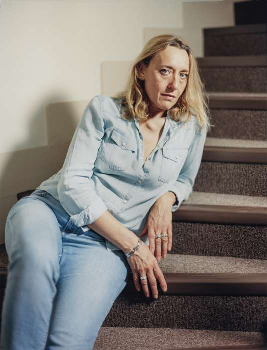 Alors qu'elle habite dans un appartement situé au-dessus d'un Bricorama, Virginie Despentes se demande si elle va finir par l'acheter.