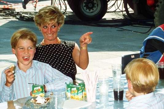 La princesse Diana et William au Cirque du Soleil, en 1990.